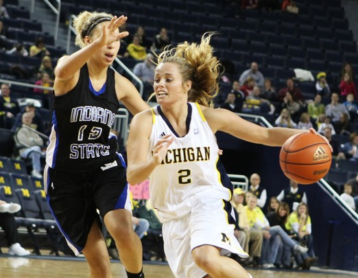 Michigan women's basketball completes day of blowouts at ...